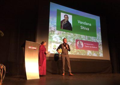 Vandana Shiva en Tjeerd van Bekkum